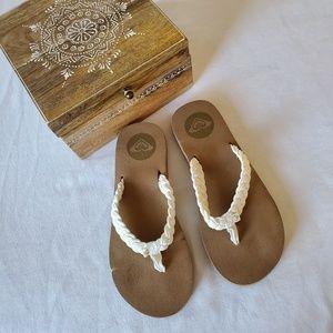 NEW ROXY braided flip flop sandals cushioned